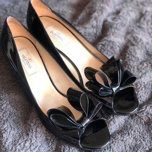 Valentino Garavani Patent Leather Bow Shoe 39.5